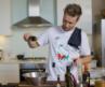 El chef de las estrellas, Neill Anthony, recrea en ¡HOLA! TV sus recetas más exclusivas